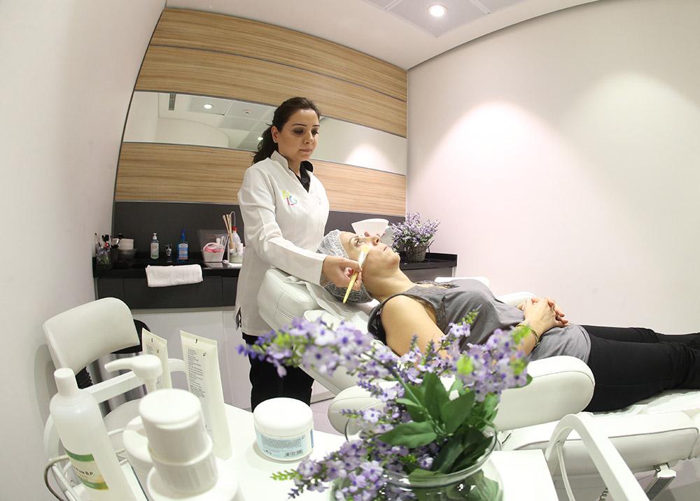 pharmacie-le-gabriel-espace-beaute-soins-de-la-peau-6